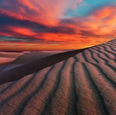 Sunset over White Sands National Monument Beautiful Sunset, Beautiful World, Beautiful Images, Landscape Photography, Nature Photography, Land Of Enchantment, Photos Voyages, Natural Phenomena, Nature Photos
