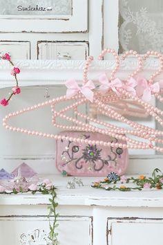 Kleiderbügel - Perlen  ein Designerstück DaWanda #sündenherz
