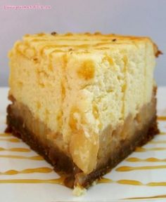 Caramelized pear cheesecake - Caramelized pear cheesecake recipe by Elise: This cheesecake is composed of a speculoos base, tende - Creamy Cheesecake Recipe, Tiramisu Cheesecake, Tiramisu Recipe, Ganache, Savoury Cake, Queso, Sweet Recipes, Cupcake Cakes, Sweet Tooth