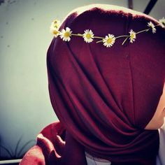 Image in Hijab/حجاب collection by Ýøýă on We Heart It Islamic Girl Images, Hijab Dpz, Islam Women, Hijab Wedding Dresses, Flower Girl Crown, Street Hijab Fashion, Hijabi Girl, Stylish Girls Photos, Muslim Girls