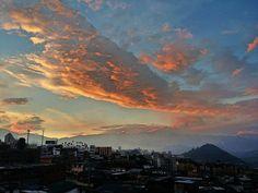 ATARDECERES EN LA CIUDAD DE MEDELLÍN..............(Paisajes naturales de de Colombia) http://www.chispaisas.info/atardecermedellin.htm