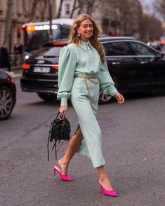 During Paris Fashion Week a.w 2019 Fashion Mode, Fashion Week, Look Fashion, Daily Fashion, Paris Fashion, Fashion Trends, Classy Outfits, Trendy Outfits, Fashion Outfits