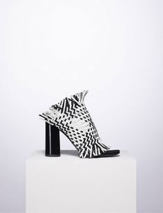 Proenza Schouler Fall 2015 - Black/white woven leather fringe heel