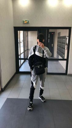 Swag Outfits Men, Nike Outfits, Boy Pictures, Girl Photos, Flash Boys, Girls Diary, Cute Boys Images, Cute White Boys, Boy Face