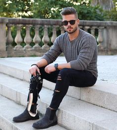 Stefano Tratto (@stefanotratto) Instagram media 2016-12-18 14:14:36 Grey Shades! Have a nice evening friends! #grey #sweater #look #chelseaboots #soboys 👉 @soboys
