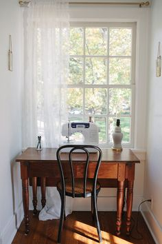 antique sewing table // amanda watter& festive fall home tour // glitter guide antique sewing table // amanda watters festive fall home tour // glitter guide Decor, Furniture, House, Autumn Home, Vintage House, Home Decor, House Interior, Interior Design, Home And Living