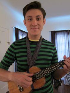 For all you knitters out there! Make your own knitted ukulele strap (pattern/tutorial by The Yarning Darling) Ukulele Songs, Ukulele Chords, Ukulele Instrument, Cool Ukulele, Ukulele Straps, Cigar Box Guitar, Classical Guitar, Crochet Videos, Playing Guitar
