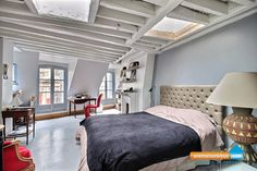 Appartment in Paris 1st District near Chatelet. 90 m² 360° viewing at UneMaisonBleue.com