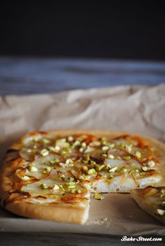Pizza Recipes, Cheesesteak, No Cook Meals, Food Inspiration, Camembert Cheese, Snacks, Baking, Ethnic Recipes, Pistachio