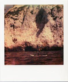 StandUpPaddle dans les calanques #Marseille #calanques #mer #standuppaddle #sport #falaises #polaroid / www.marseillepolaroid2013.com