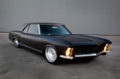 Custom 1963 Buick Riviera - Beautiful. I owned one of the stock versions of this! loved it.