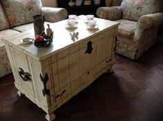Kist Painted In Annie Sloan Chalk Paint In Olive French