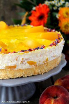 Sommerliche Pfirsich-Vanille-Torte • Schokokuss und Zuckerperle