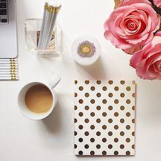 desk styling organization stationery
