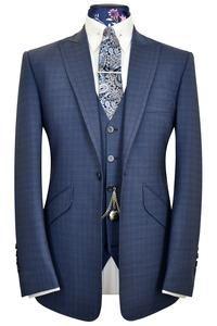 Blue over blue overcheck three piece peak lapel suit WH New Mens Suits, Dress Suits For Men, Mens Fashion Blazer, Suit Fashion, Casual Suit Styles, Casual Outfits, Blue Plaid Suit, Beard Suit, Modern Mens Fashion