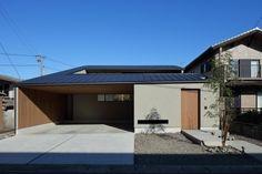 Garage Doors, House Design, Mansions, House Styles, Outdoor Decor, Home Decor, Luxury Houses, Interior Design, Architecture Design