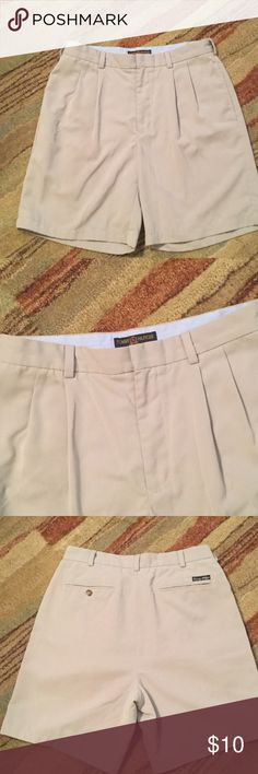 Dress khaki shorts Great condition!!! Dress khaki shorts with pleat front Tommy Hilfiger Shorts