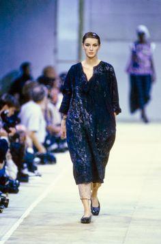 Comme des Garçons Spring 1992 Ready-to-Wear Fashion Show - Ludmila Isaeva Malahova