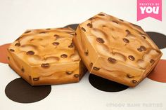 Cookie Favor Box : DIY Printable Chocolate Chip Biscuit PDF - Instant Download by PiggyBankParties on Etsy https://www.etsy.com/listing/162317870/cookie-favor-box-diy-printable-chocolate