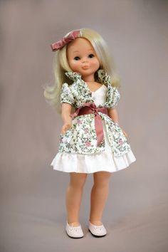 Nancy viene en concierto a Madrid Festival Make Up, Pram Toys, Nancy Doll, Dolly Doll, Spanish Girls, Kool Kids, Vintage Barbie, Doll Patterns, Couture