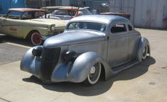 http://kustomrama.com/index.php?title=James_Hetfield%27s_1936_Ford