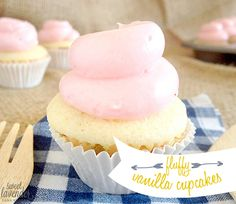 Sweet Lavender Bake Shoppe: fluffy mini vanilla cupcakes...