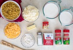 The creamiest, easiest Baked Mac and Cheese Recipe! Easy Baked Mac And Cheese Recipe, Easy Mac And Cheese, Macaroni Cheese Recipes, Mac And Cheese Homemade, Baked Macaroni, Jamaican Dishes, Best Chili Recipe, Cooking Recipes, Yummy Recipes