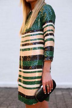 sequins & stripes / vestido curto de manga longa de paetês com listrar em verde