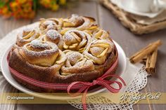 Torta di rose con mele e cannella My Recipes, Cake Recipes, French Cake, Recipe Boards, Bread And Pastries, English Food, I Love Food, Apple Pie, Sweets