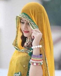 Rajasthani Photo, Rajasthani Dress, Indian Wedding Photography Poses, Photography Women, Beautiful Girl Photo, Most Beautiful Women, Beauty Full Girl, Beauty Women, Look Wallpaper