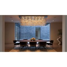 Thanks to cascading pendant lamp, you doesn't need to decorate this dining room anymore. #rumahkudiningroom