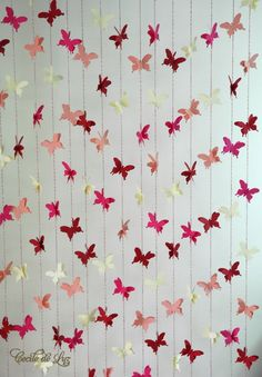 Cortina de borboletas - 15 fios Diy Birthday Decorations, Birthday Diy, Valentine Decorations, Diy Arts And Crafts, Crafts For Kids, Paper Crafts, Diy Crafts, Butterfly Garden Party, Butterfly Crafts