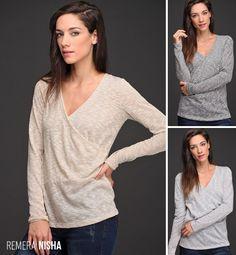 La Remera Nisha es una prenda clásica, femenina y delicada. Realizada en gasa de punto con lúrex, su formato envolvente es una #tendencia fuerte del invierno. ¡Agregale textura y glamour a tu look!
