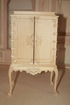 1/6th scale white wood cabinet fits 12 - 14 inch doll high quality JBM - perfect for your chinoiserie Georgian elements.