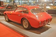 Ferrari 225 S Berlinetta (Vignale) (1952)Photo 12/27 Sur ce total, seules cinq voitures sont habillées en berlinette par Vignale. Celle présentée par J.D. Classics (châssis n° 0152/EL) a été vendue neuve au pilote français «Pagnibon». En 1952, elle a participé notamment aux 24 Heures du Mans, au Grand Prix de Monaco et au Tour de France.