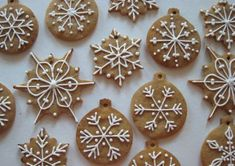 Lebkuchen spices make those special German gingerbread cookies and bars taste spectacular. Mix up your own batch for your holiday treats. Christmas Sweets, Christmas Cooking, Christmas Gingerbread, Christmas Goodies, Gingerbread Cookies, Christmas Time, Gingerbread Ornaments, Gingerbread Houses, Polish Christmas