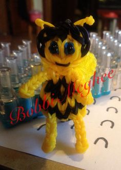 BUMBLE BEE. Designed and loomed by Bobbi McGhee on the Rainbow Loom. Rainbow Loom FB page.
