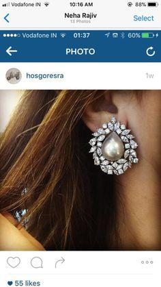Real Diamond Earrings, Unique Diamond Rings, Diamond Earing, Gold Earrings, Jewelry Design Earrings, Designer Earrings, Pearl Jewelry, Pearl Earing, Earring Trends