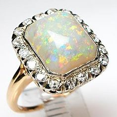 Antique gold opal and diamond cocktail ring. now THAT is an opal! Antique Rings, Antique Jewelry, Vintage Jewelry, Antique Art, Ringa Linga, Art Deco Emerald Ring, Opal Jewelry, Opal Rings, Ring Earrings