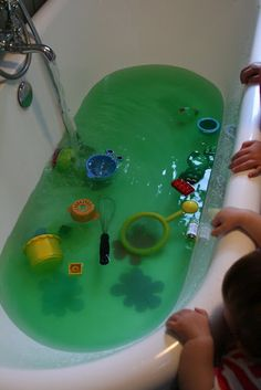 multi-sensory bath time... colors and scents