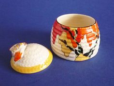 Clarice Cliff Bizarre 'Honolulu' Small Beehive Honey Pot c1933