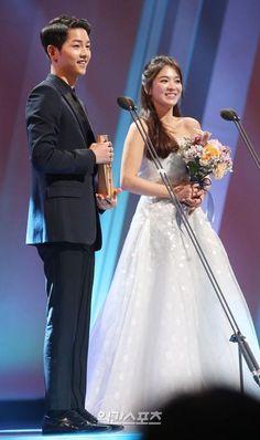 52nd Baeksang Arts Awards: TV Section - Descended From the Sun's Song Joong-ki and Song Hye-gyo