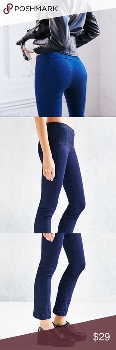 BDG cropped mini kick pull on jeans M Brand new, very stretchy BDG Jeans Ankle & Cropped