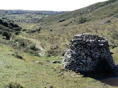 Valle del Hilo de la Vida, Lavalleja. Indigenous tumuli.