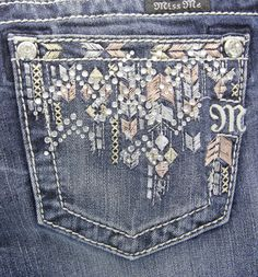 These Ladies Ankle Skinny Jeans in by Miss Me feature a medium wash, whiskering and fading detail, signature Miss Me rhinestone rivets, and contrast stitching detail. The pockets of these jeans 2017 Christmas Gifts, Showing Livestock, Fashion Tips For Girls, Country Outfitter, Country Fashion, Juniors Jeans, Rock Revival Jeans, Shoes With Jeans, Miss Me Jeans