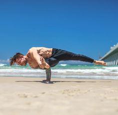 @dylanwerneryoga wearing the #AloYoga Technical Moto Jogger #inspiration #yoga