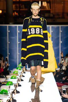 Fenty x Puma Fall 2017 Ready-to-Wear Collection Photos - Vogue New Mens Fashion, Fashion 2017, Girl Fashion, Winter Fashion, Rihanna, Unisex Looks, Winter Wear, Winter 2017, Fall Winter