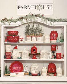 Christmas Porch, Christmas Mantels, Farmhouse Christmas Decor, Christmas Kitchen, Rustic Christmas, Christmas Holidays, Christmas Coffee, Christmas Ideas, Merry Christmas