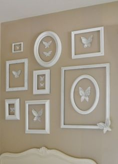 14 Ways to Repurpose Picture Frames {diy} Empty Picture Frames, Mini Picture Frames, Picture Frame Decor, Empty Frames, Frame Crafts, Diy Frame, Marco Diy, Hello Kitty Bedroom, Decorating With Pictures