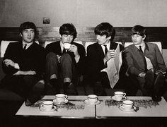 Vintage: Beatlemania (1960s) | MONOVISIONS